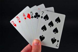 how to play razz poker