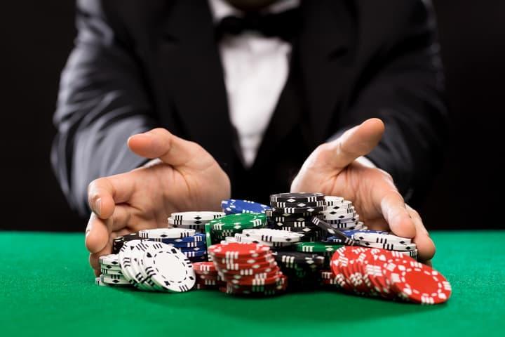 poker MTTs vs cash games