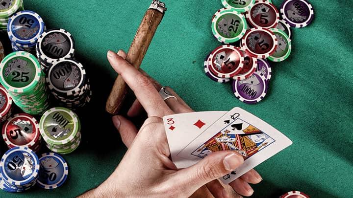freeroll poker play