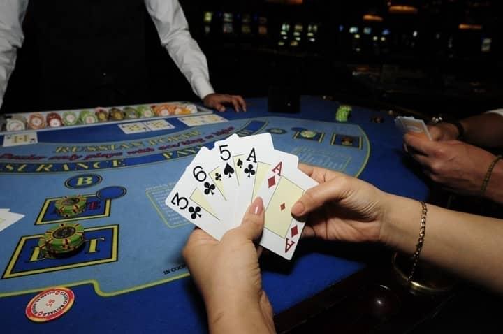 russian poker tips play