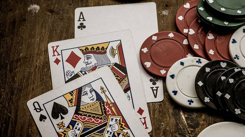 Best three card poker strategy