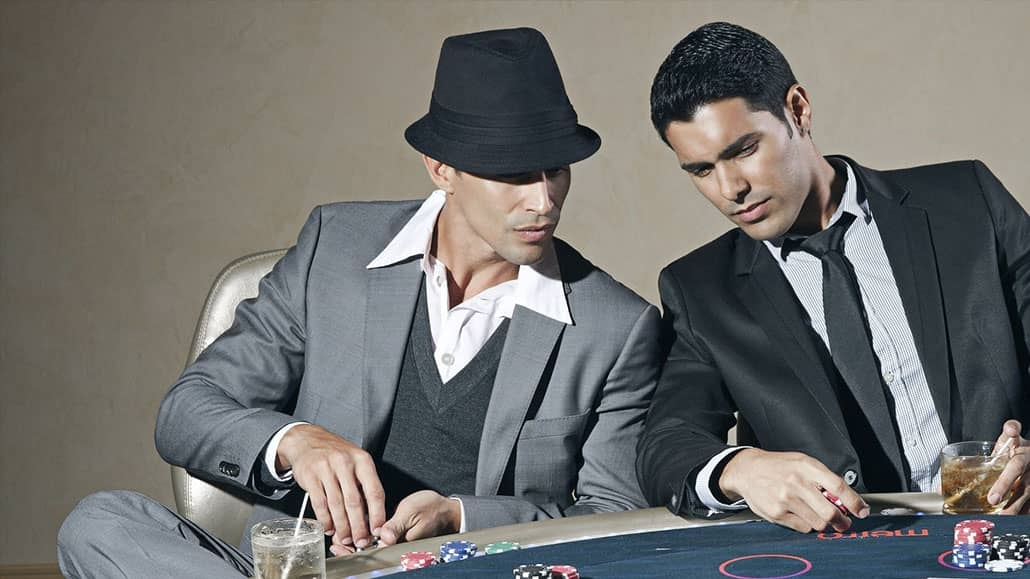how to play three card poker live