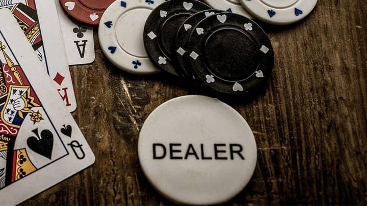 rules of poker dealer button