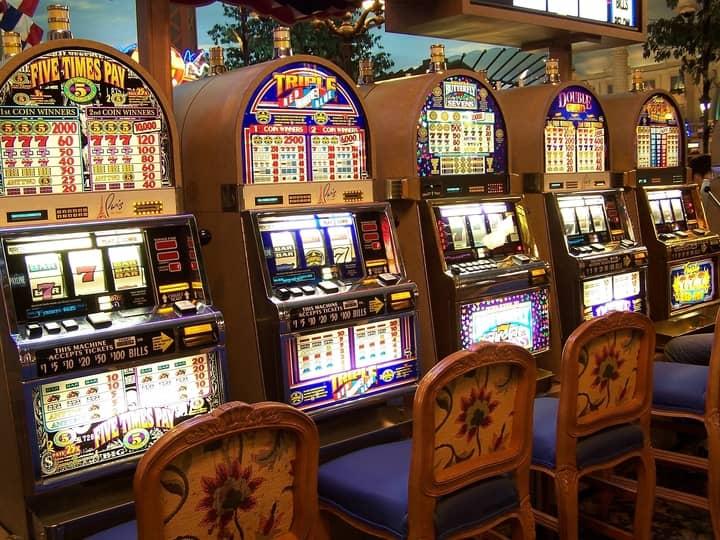 slots odds casino games