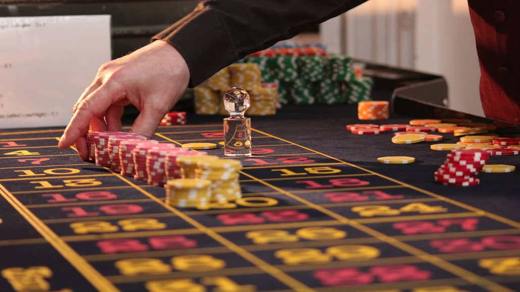 Why Poker Players Enjoy Live Casino Games So Much?