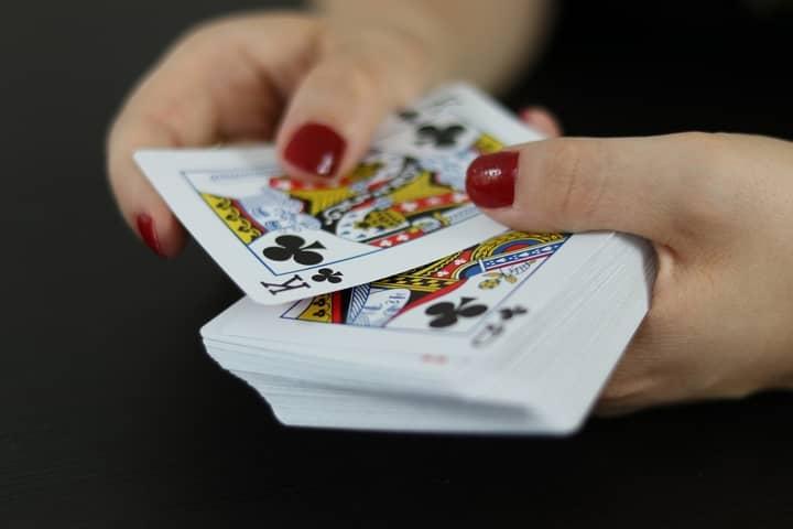 how to play irish poker