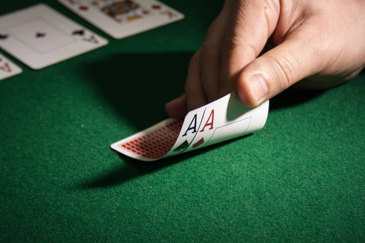 Learn-Poker-While-Playing