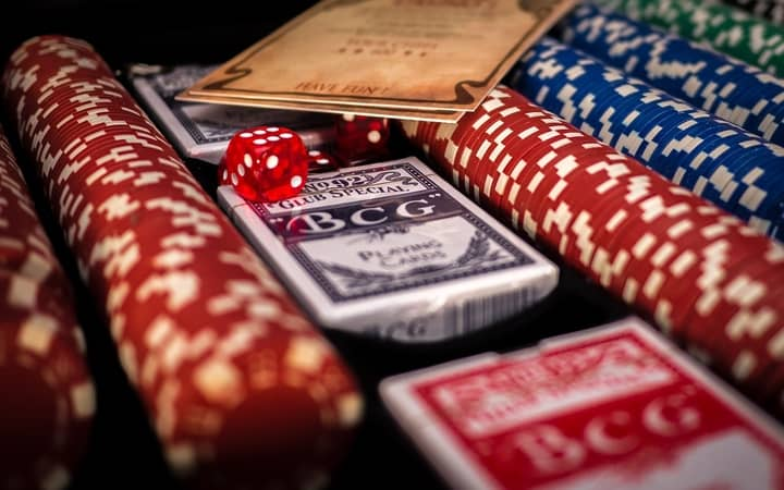 Play-Private-Poker-Games-With-Friends