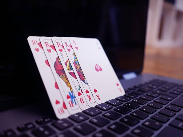 Why-Play-Online-Poker