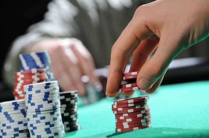 Develop-Proper-Focus-in-Poker