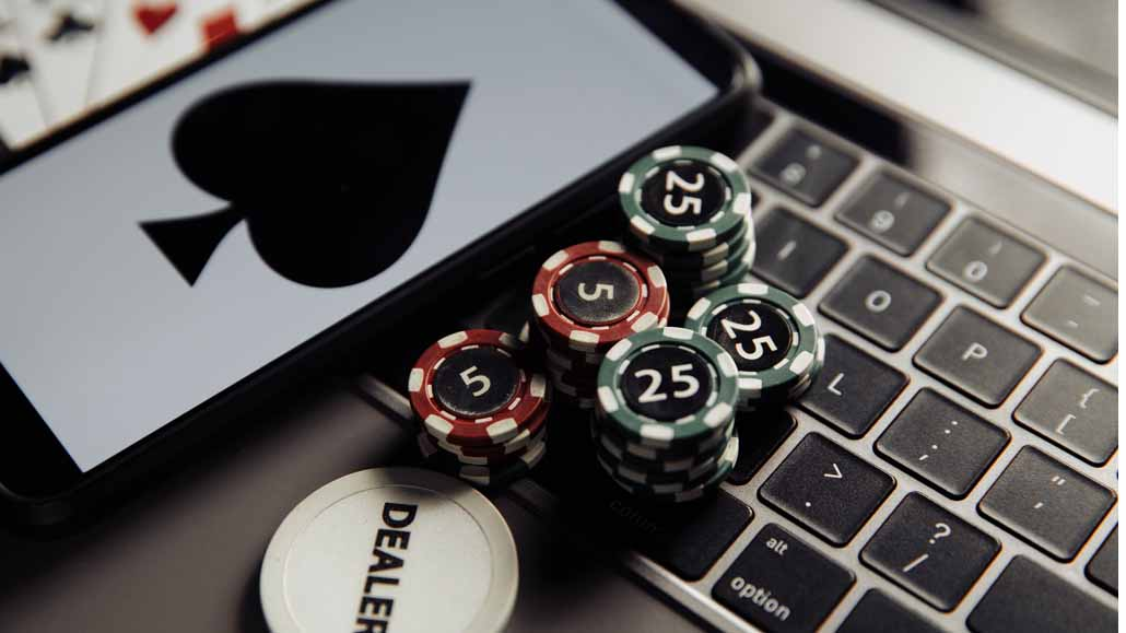 Poker-and-Fantasy-Card-Games