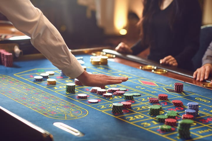 how to play roulette - betting explained