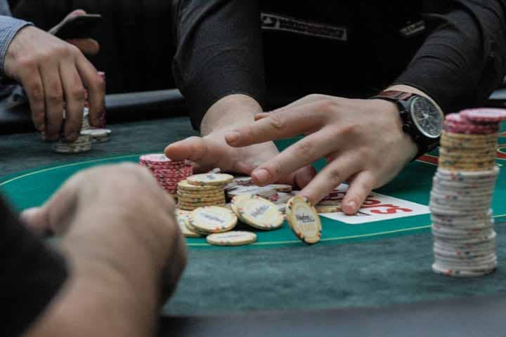 Best-Non-Cash-Prizes-in-Poker