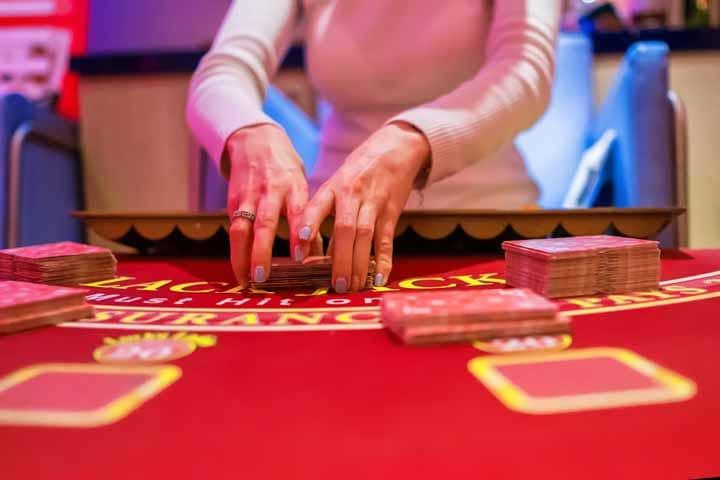 Gambling-Is-Illegal-In-The-UAE