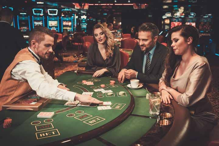 Have-Good-Casino-Table-Manners