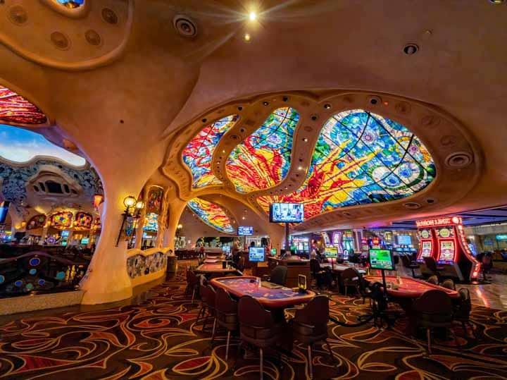 Pachinko-Parlors-vs-Western-Casinos
