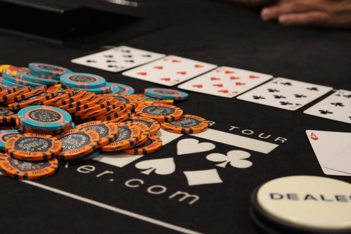Cash games at Grosvenro Casino Victoria poker room