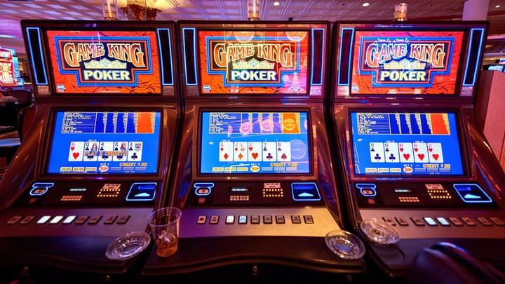 Skill vs Luck in Video Poker and Holdem