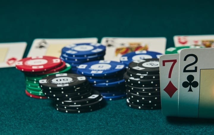 Worst Hand in Poker – Should You Ever Play 2-7 Offsuit In Texas Holdem?