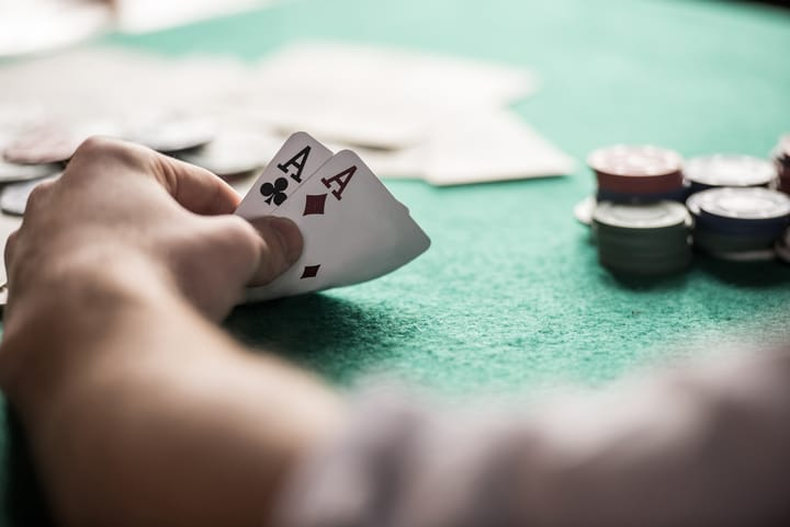 Learning poker and roulette strategies