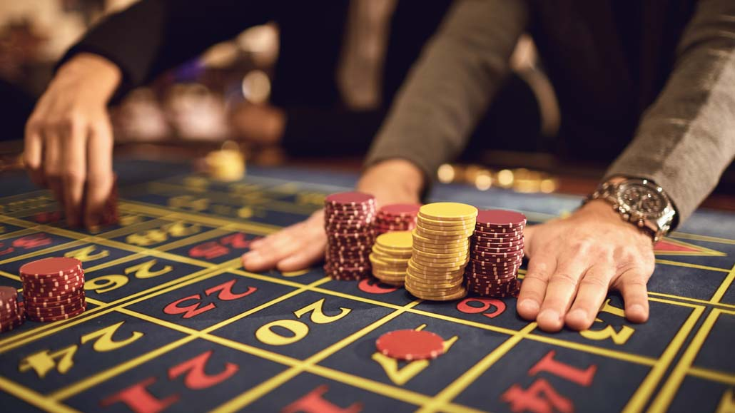 Roulette and poker players