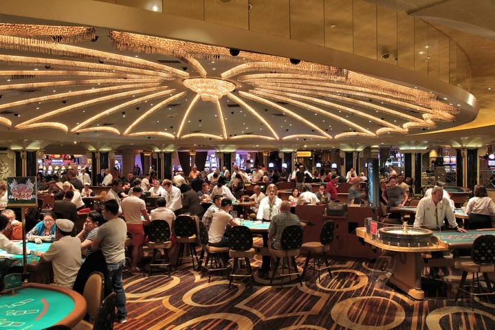 Enjoy different poker variations at a live casino