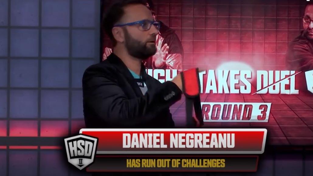 Hellmuth wins Round 3 vs Negreanu