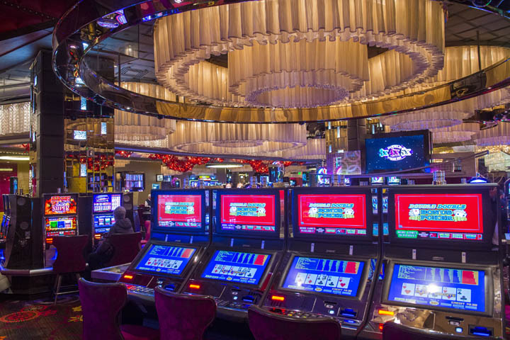 Importance of paytable in video poker