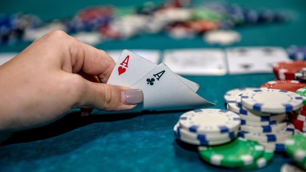 Winning poker traits