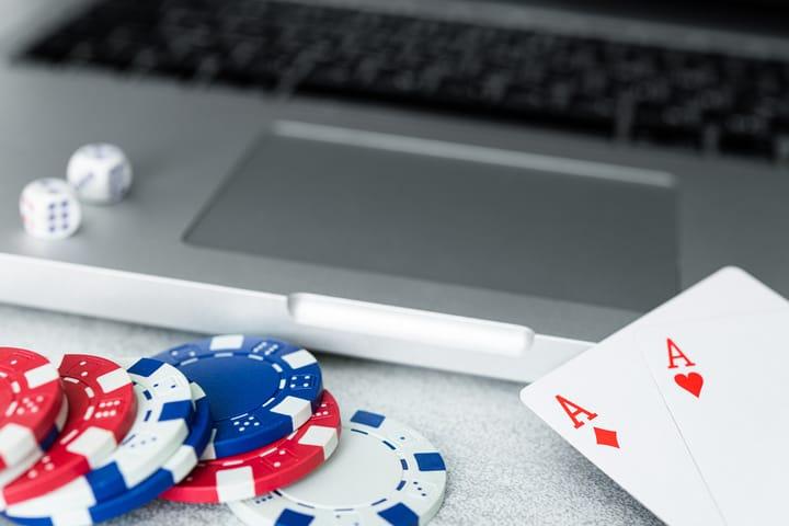 How to identify poker bots behavior