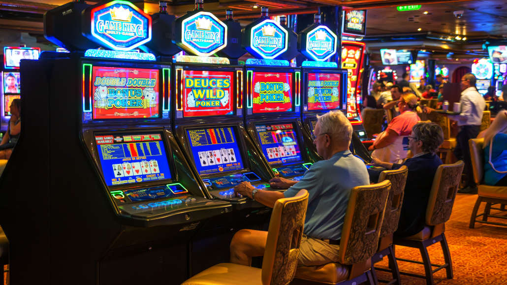 Video Poker Strategy – How to Win at These Machines Consistently?