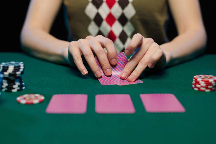 Winning odds with big pocket pairs