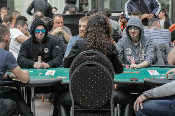 Get back to live poker