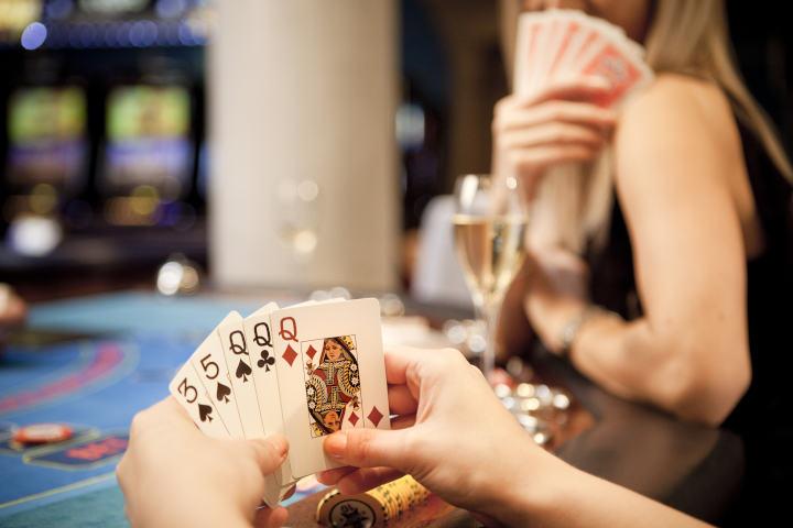 Cara bermain Jacks atau video poker yang lebih baik