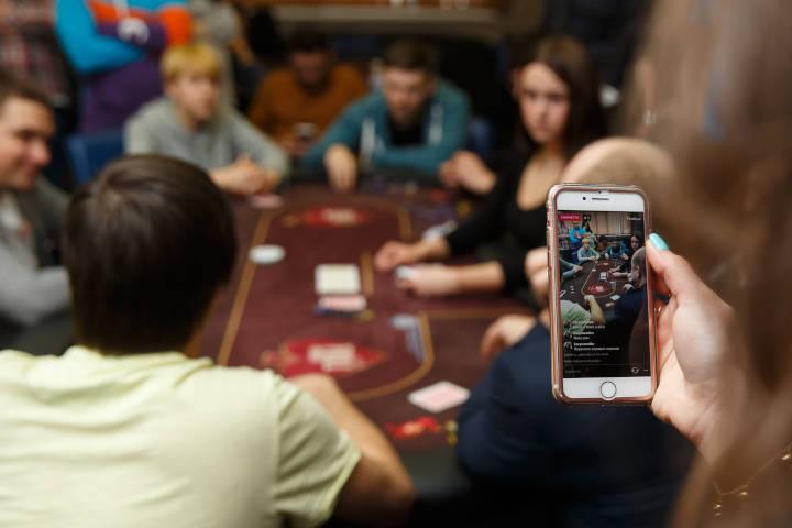 Identifikasi poker Anda sendiri memberi tahu
