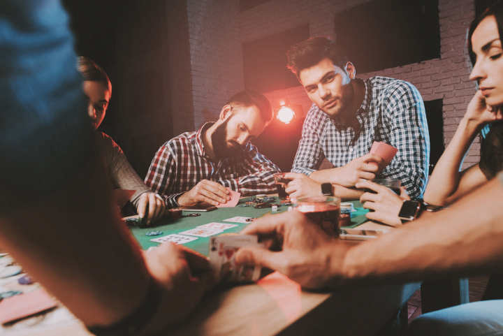 Belajar poker dengan bermain