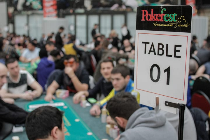 Poker staking in tournaments