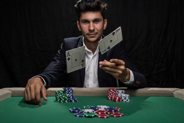 Tips for successful poker - no shame in folding