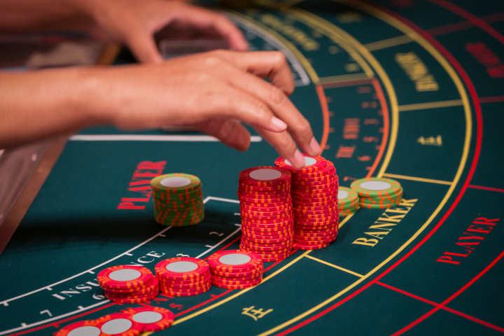 Permainan kasino populer Baccarat