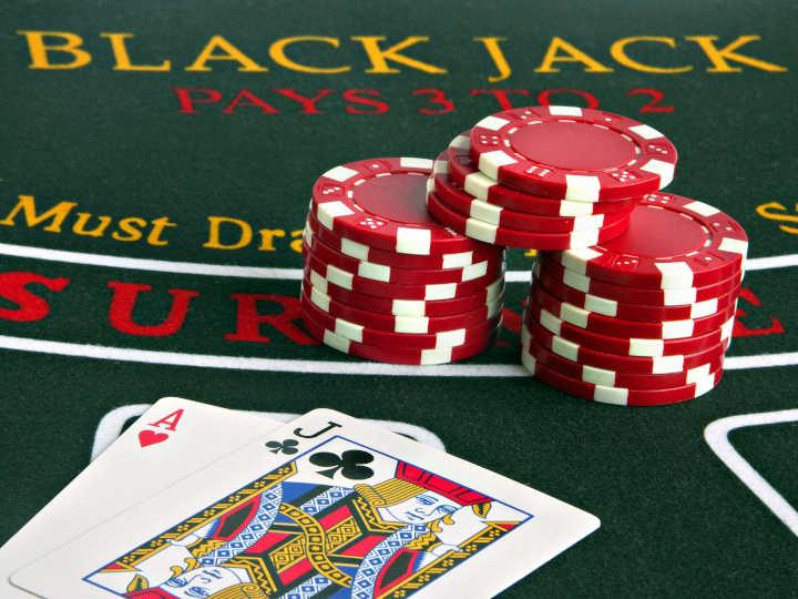 Blackjack adalah salah satu permainan kasino yang paling rumit