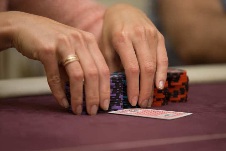 Membangun keterampilan poker Anda
