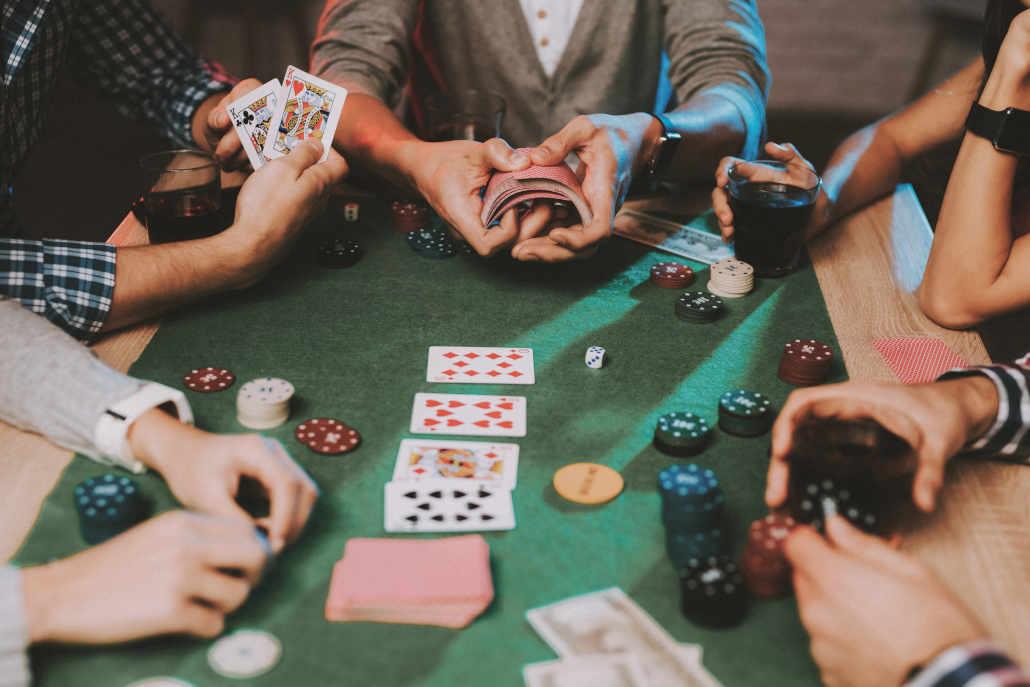 Poker GTO dalam permainan cincin