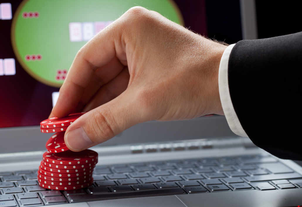Online poker and GTO