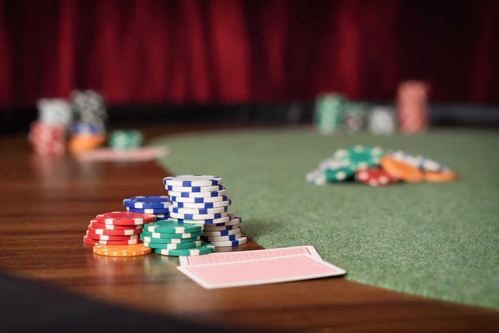 Taking breaks while playing poker
