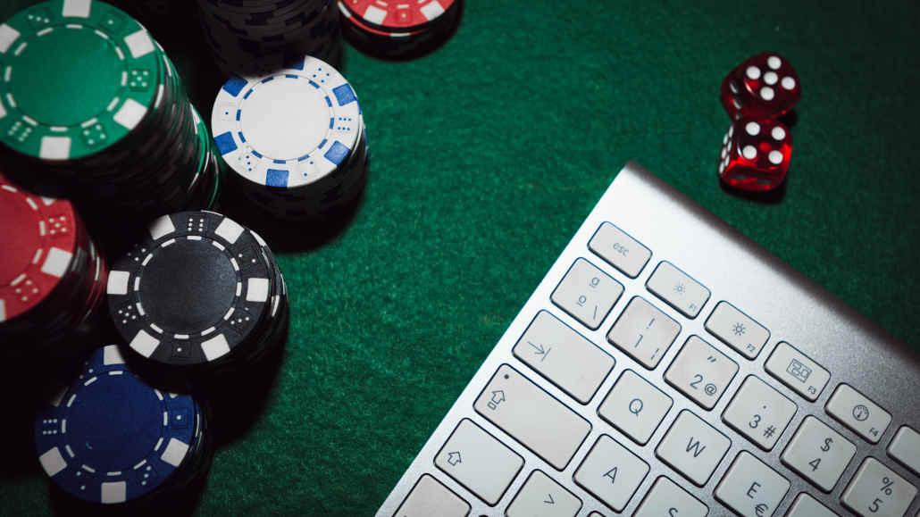 Multitabling in poker