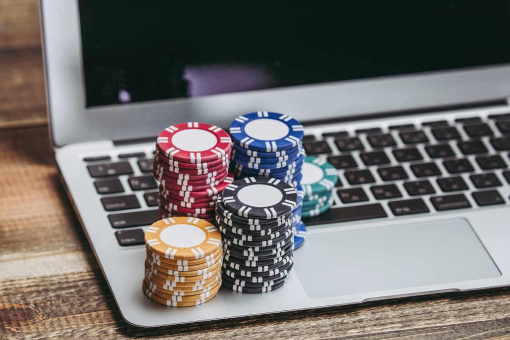 Poker multitabling pros