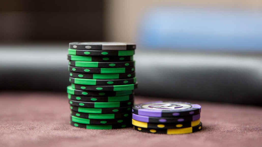 Side pot poker